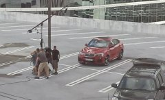 全新宝马X4量产车型无伪装首次谍照曝光